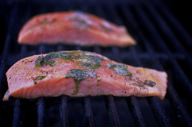 Grilled Lemon Pepper Salmon / Ultimate Paleo Guide